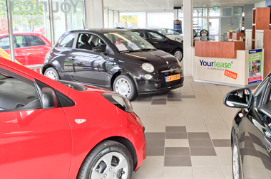 Yourlease private lease Showroom ingang Koningsweg Soest