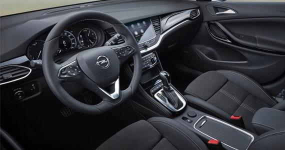 Opel Astra Sports Tourer dashboard