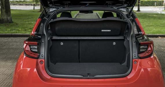 Toyota yaris hybrid 1.5 style private lease kofferruimte
