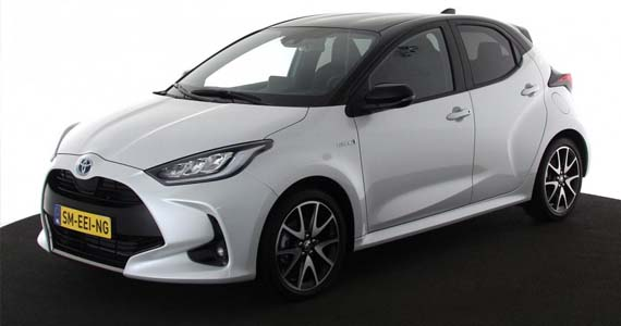 Toyota yaris hybrid 1.5 style private lease